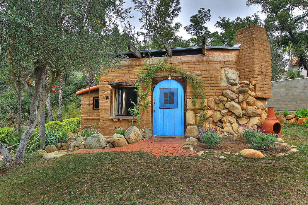 Small adobe brick house for Tiny house kits california
