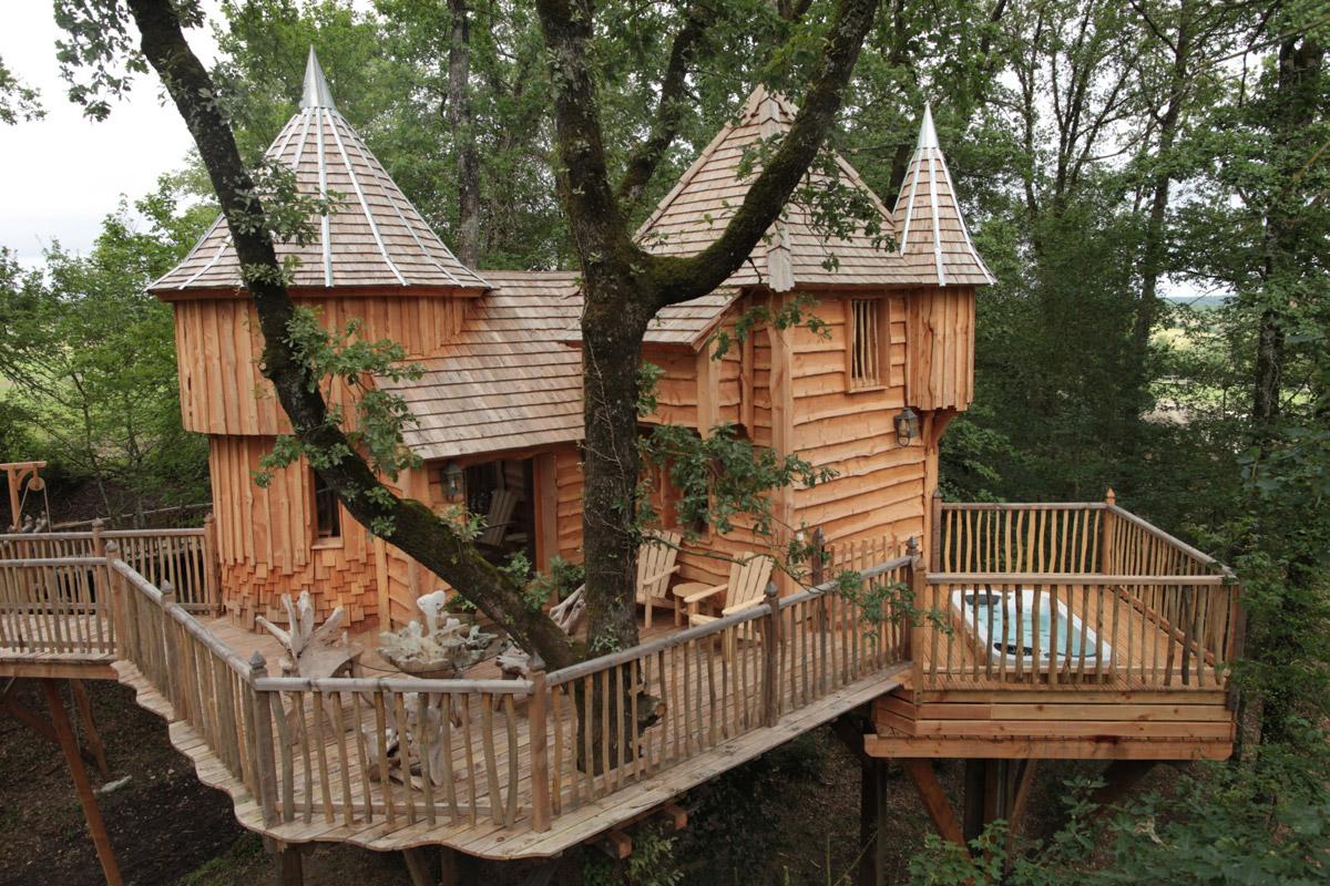 chateaux-dans-les-arbres-milandes-1