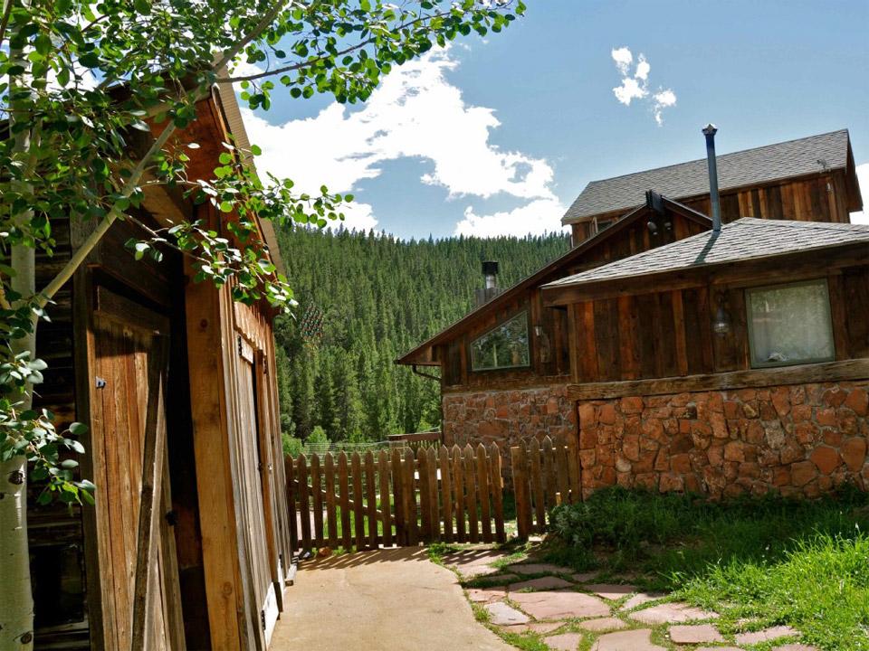 magical-cabin-1