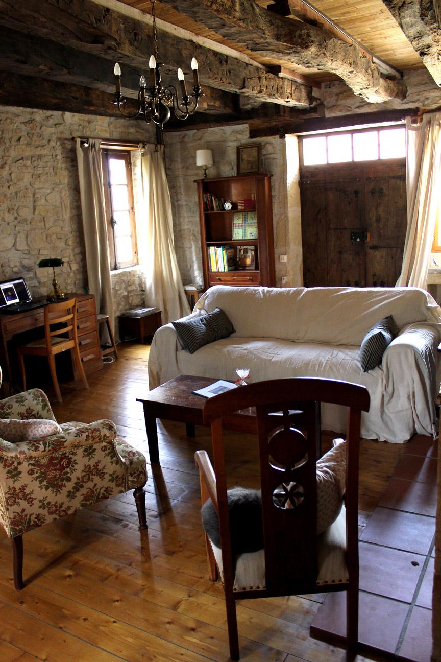 la petite maison haute07 - Stone Cottage Interiors