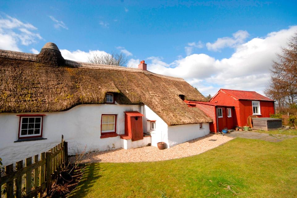 gwellt-cottage-1