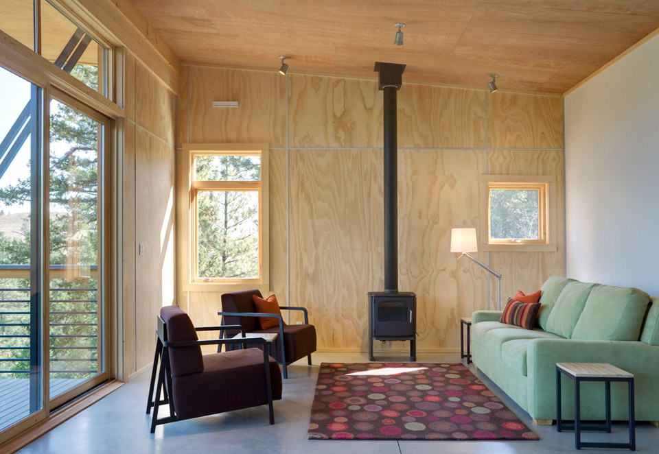 pine-forest-cabin-3