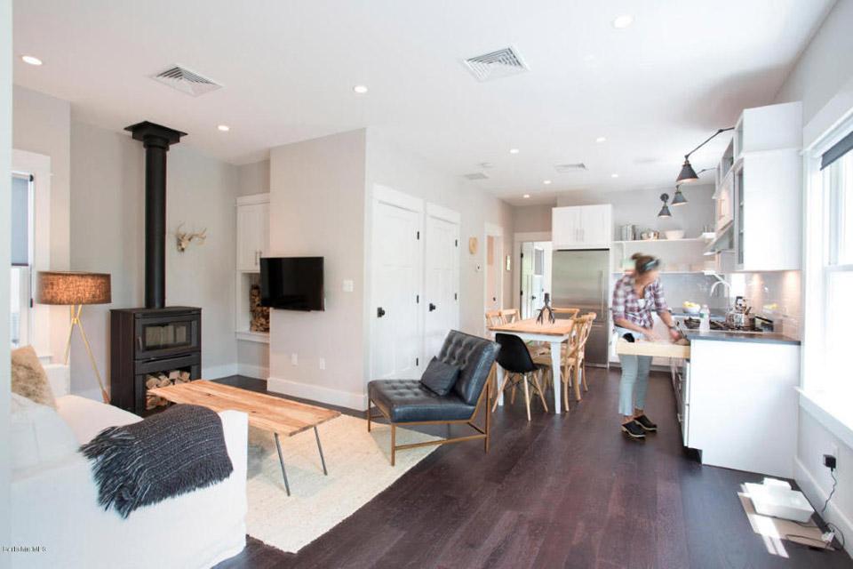berkshires-riverfront-home-2