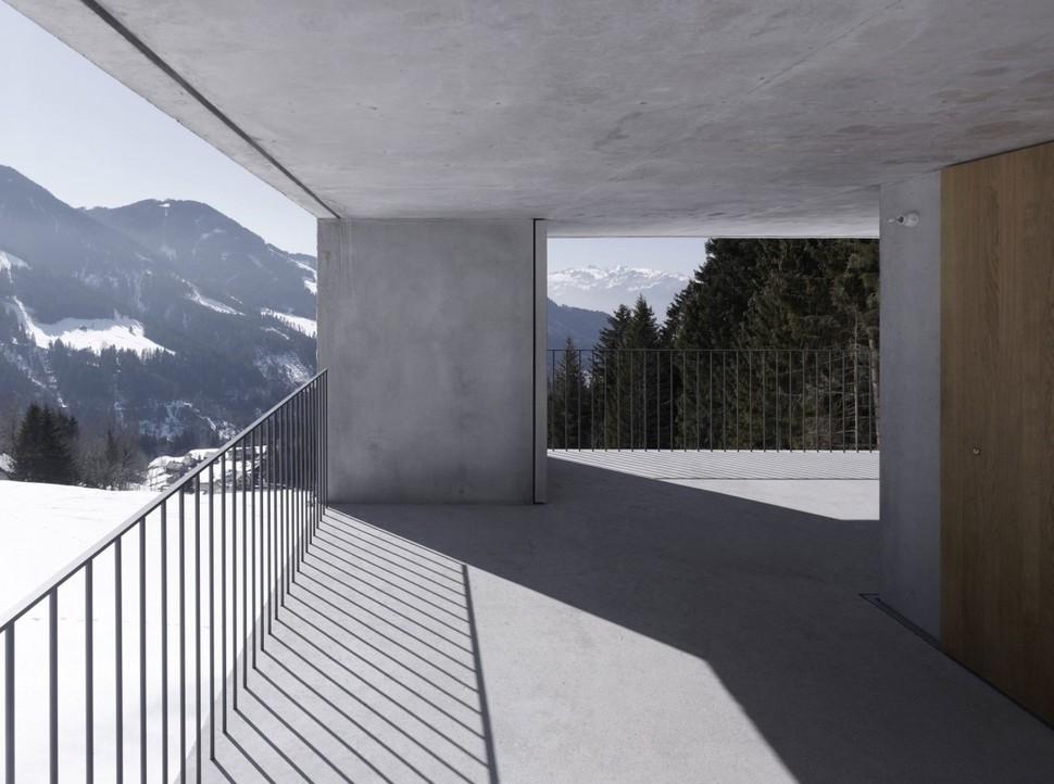 concrete-cabin-3