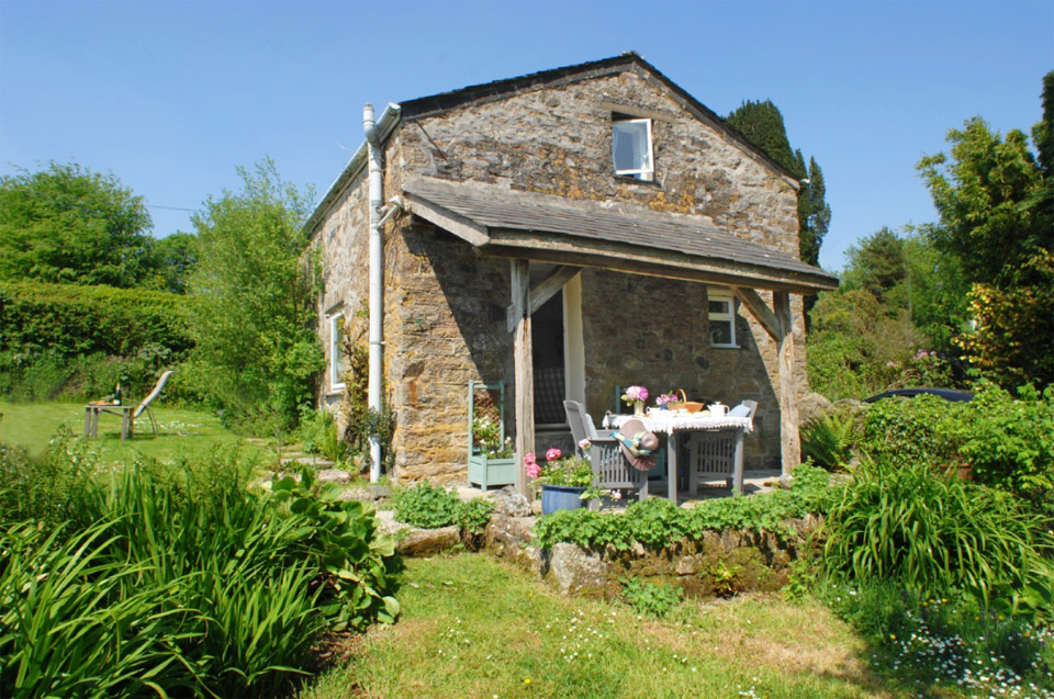 gilly-cottage-1