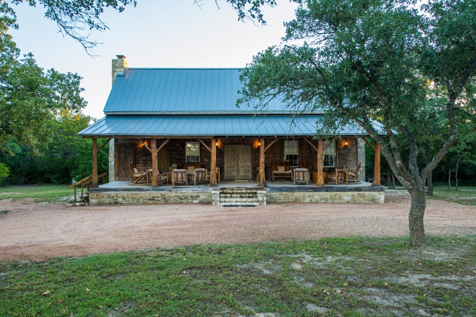 East texas log cabin for Log barn homes