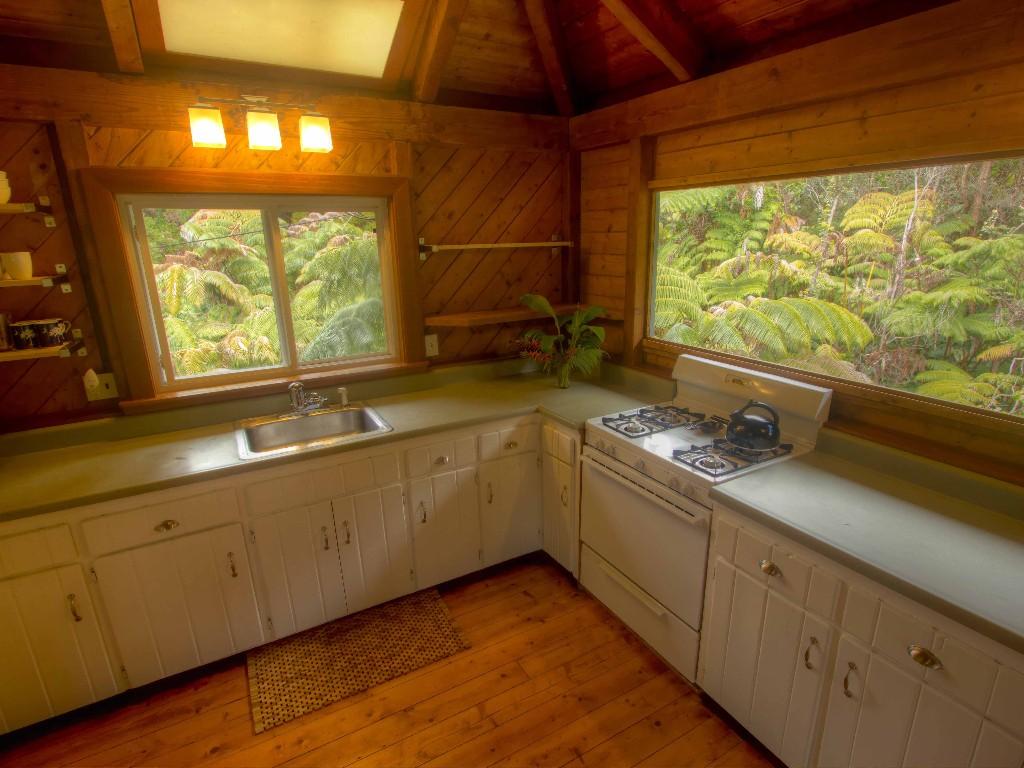 rainforest-cottage-4