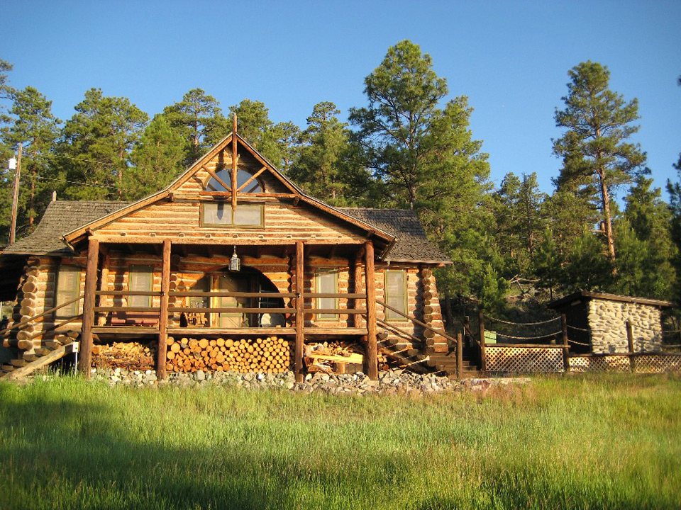 canyon-ferry-lake-cabin-1