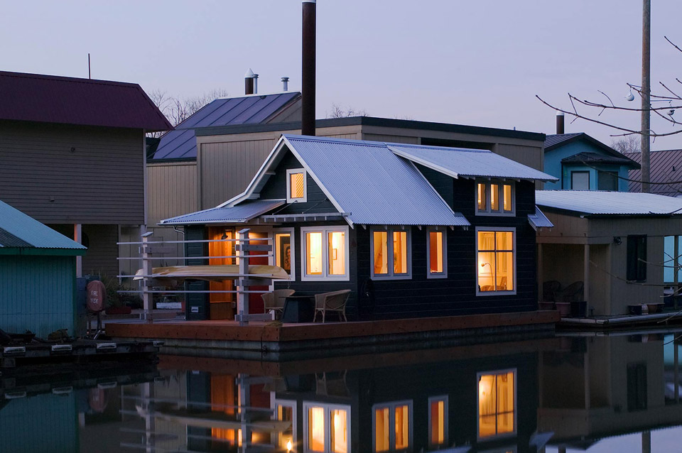 Floating home tender Portland floating homes
