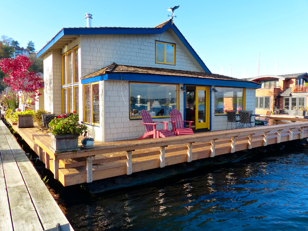 Sleepless in seattle floating home - Floating house seattle ...