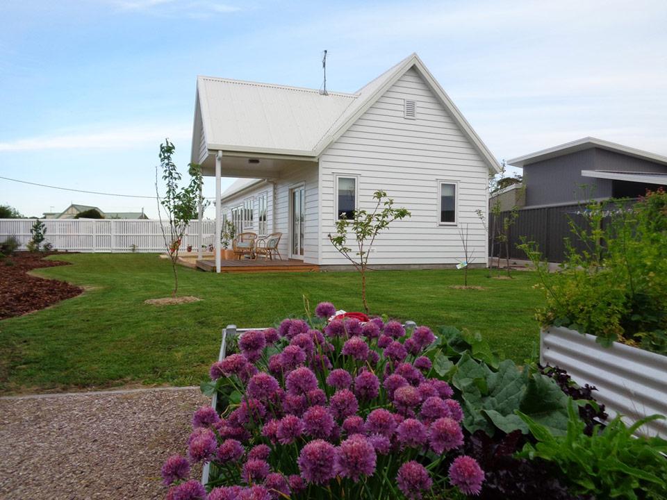 tasmanian-cottage-1