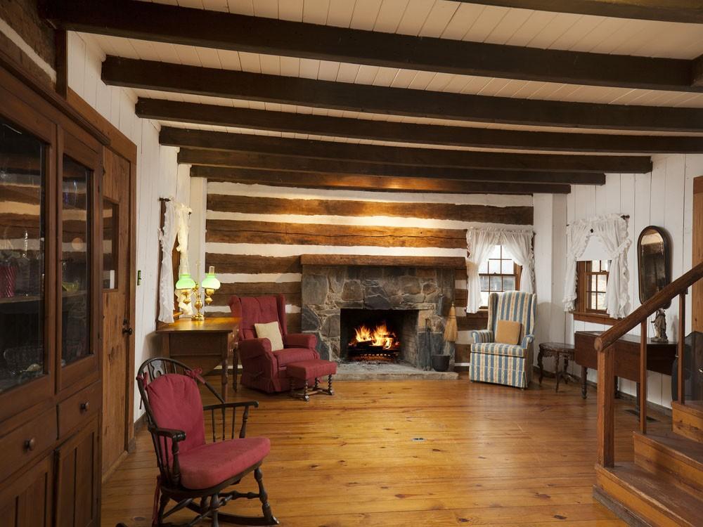 1795-cabin-2