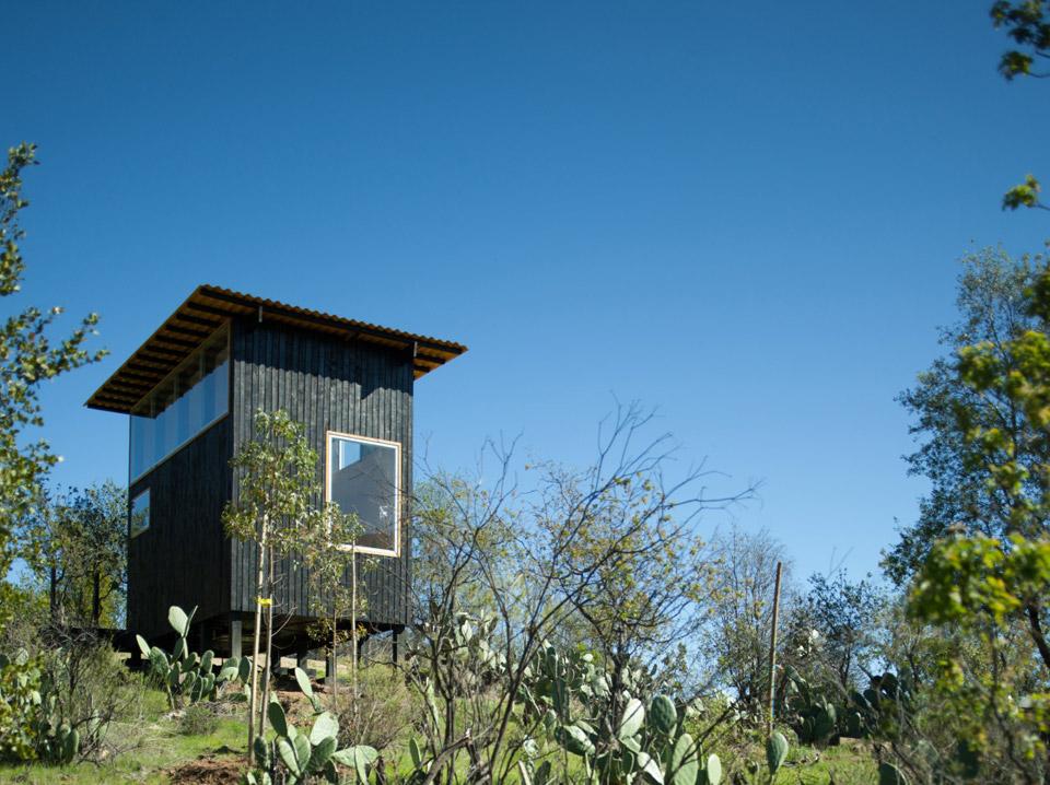 charred-cabin-draa-architects-1