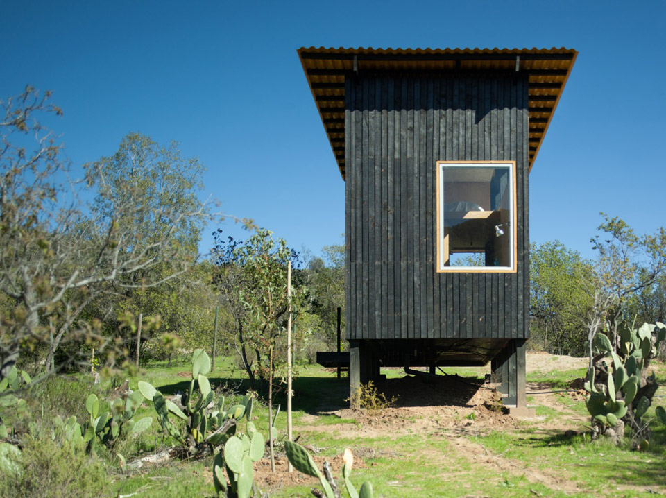 charred-cabin-draa-architects-3