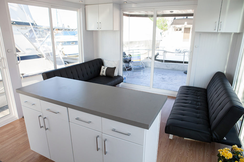 metroship-metro-prefab-houseboat-3