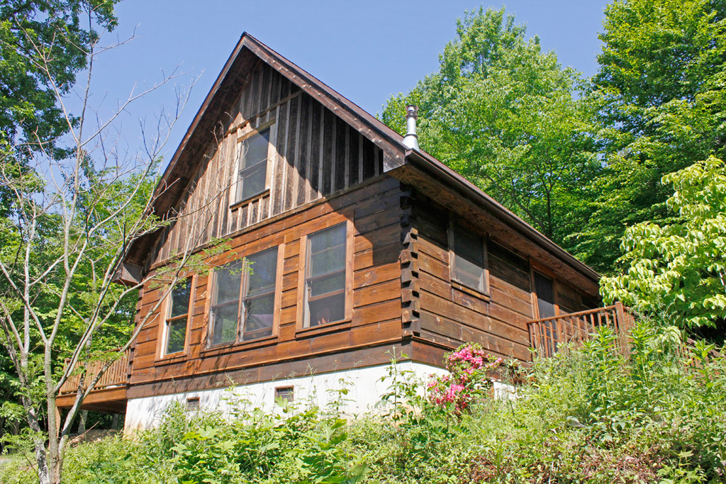 peaceful-log-cabin-9