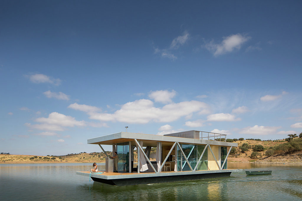 alqueva-floating-house-friday-sa-architects-1