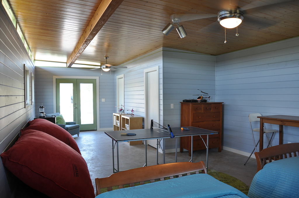 cabin-compound-kanga-room-systems-4