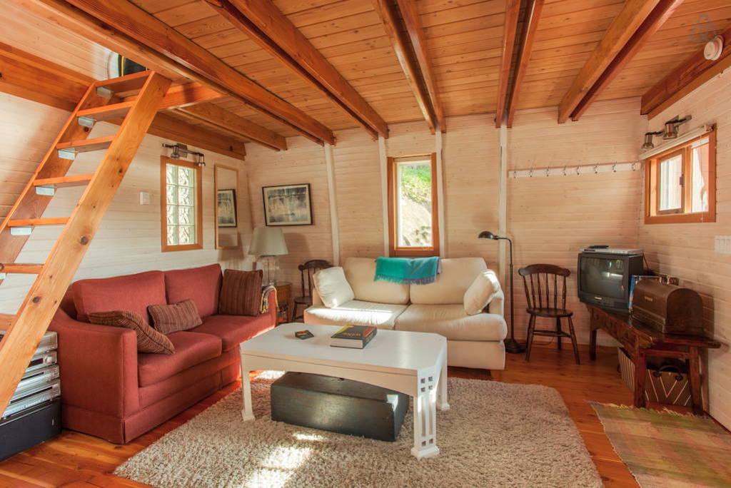 sechelt-cabin-british-columbia-4