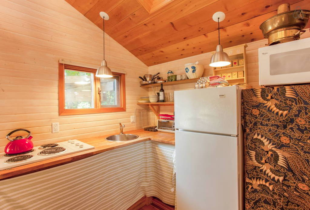 sechelt-cabin-british-columbia-6