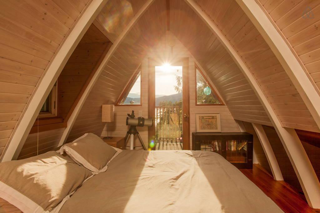 sechelt-cabin-british-columbia-8