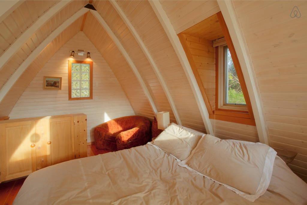 sechelt-cabin-british-columbia-9