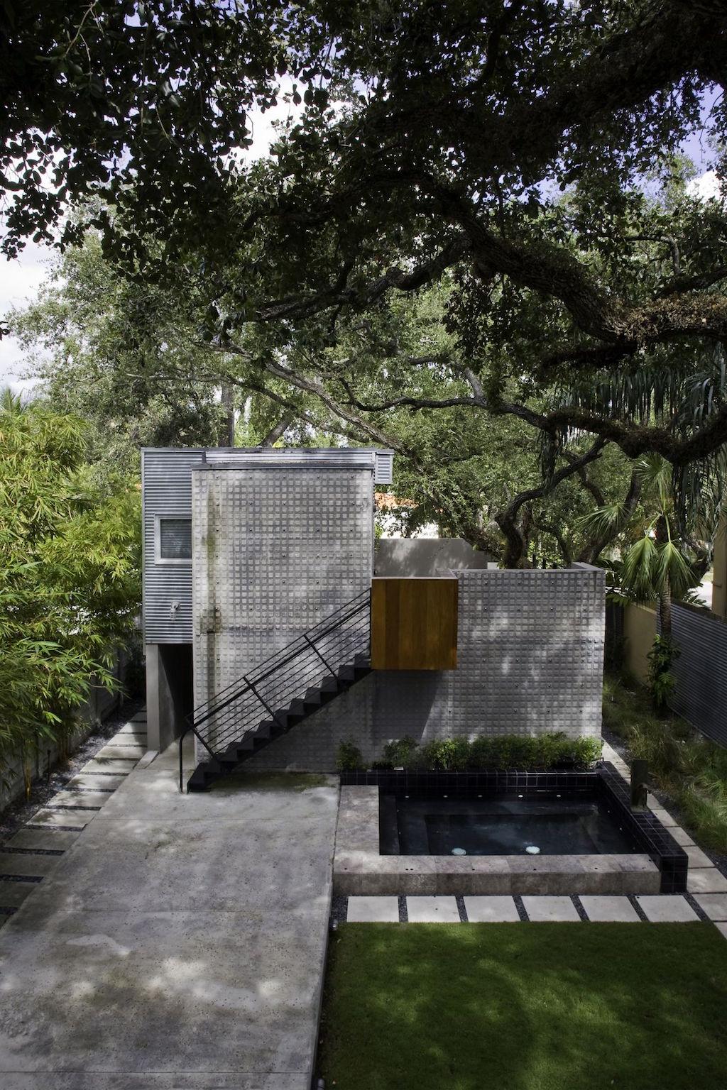 Casa Grove by Mateu Architecture.