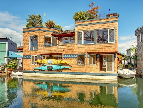 floating-family-home-1
