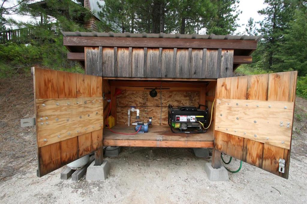 off-grid-newport-cabin-2