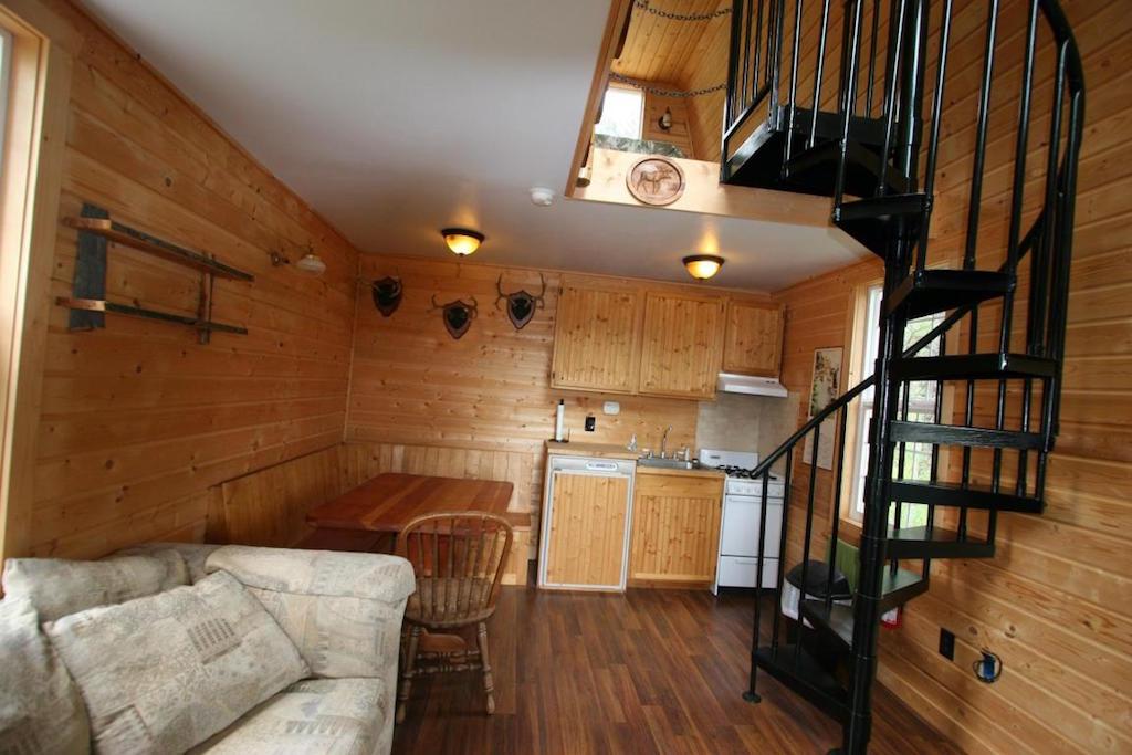 off-grid-newport-cabin-4