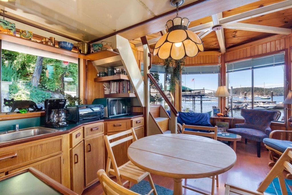 seattle-houseboat-3