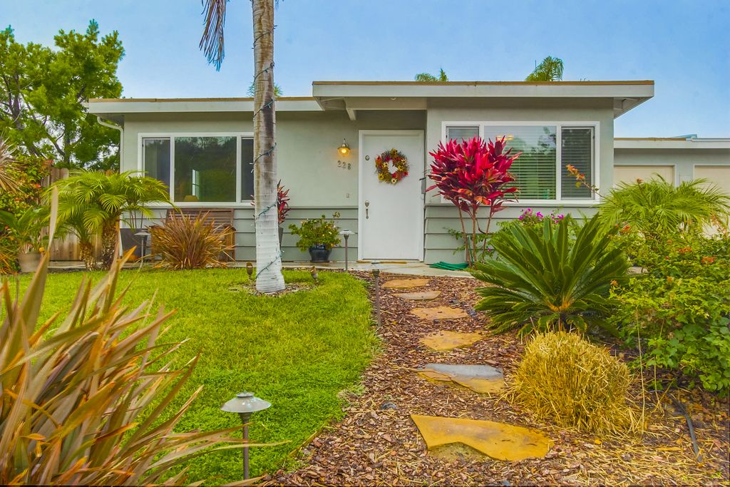 encinitas-california-small-house-1