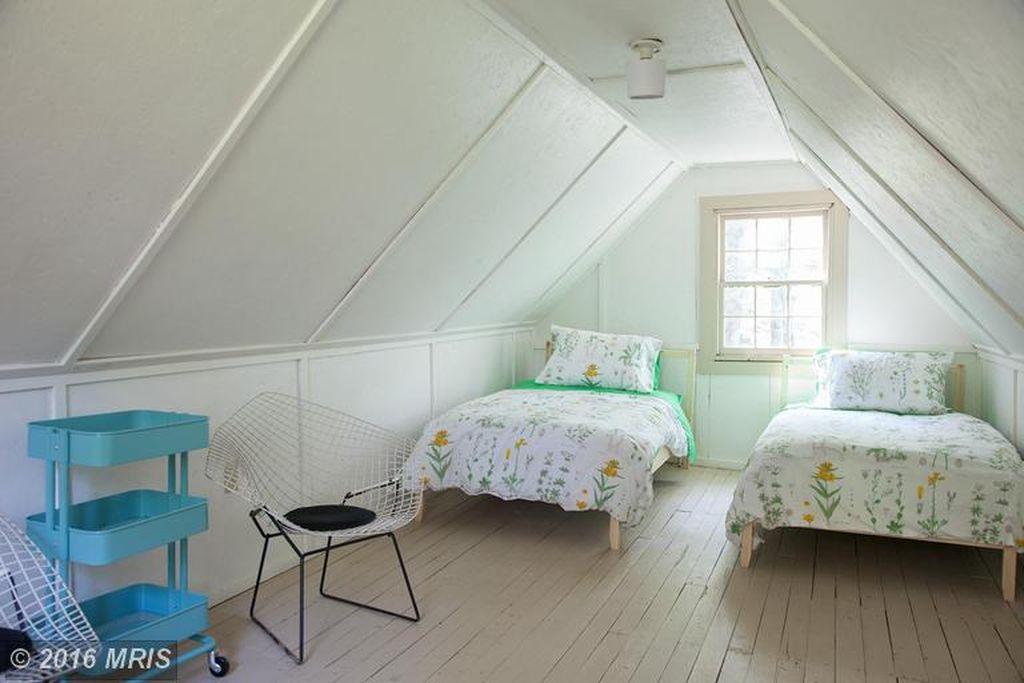 1850s-hand-hewn-cabin-10