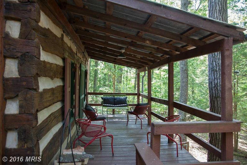 1850s-hand-hewn-cabin-13