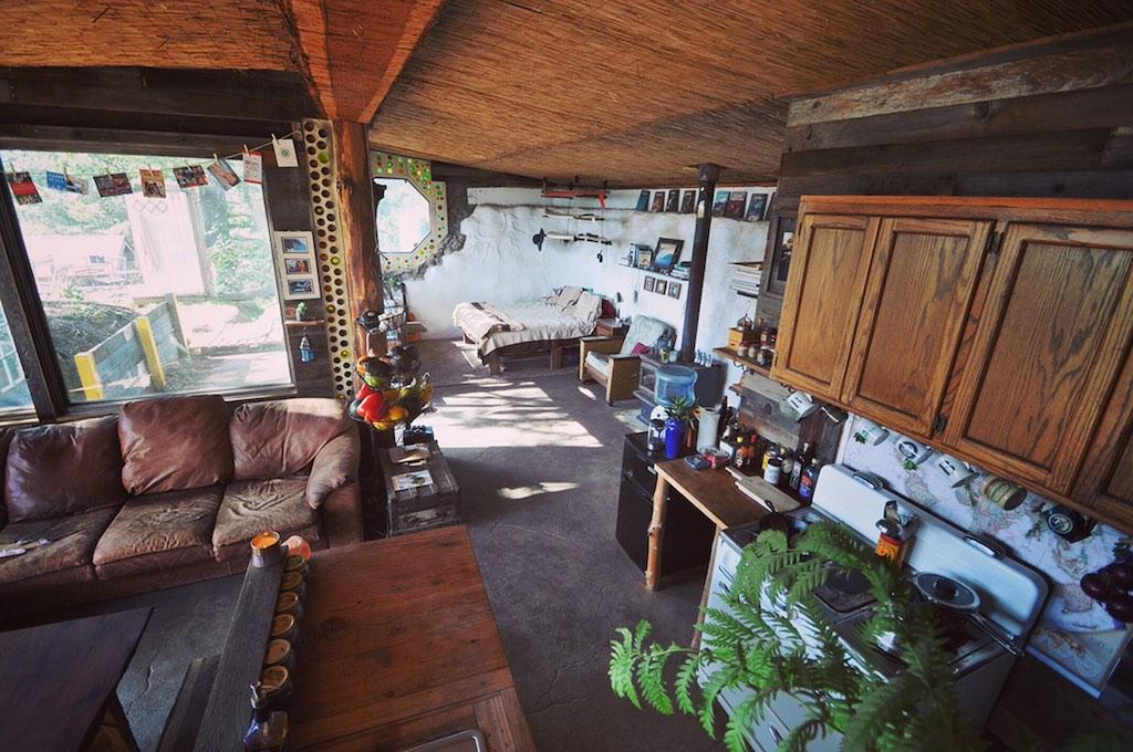 earthship-cabin-santa-cruz-3