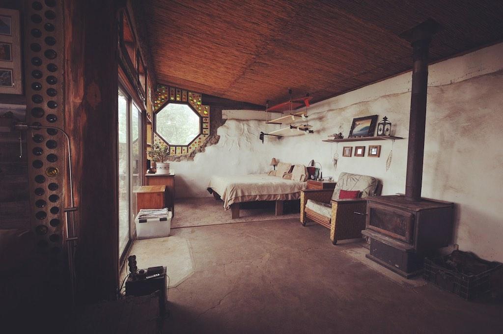 earthship-cabin-santa-cruz-7