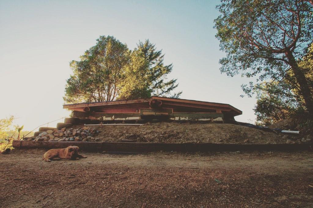 earthship-cabin-santa-cruz-8
