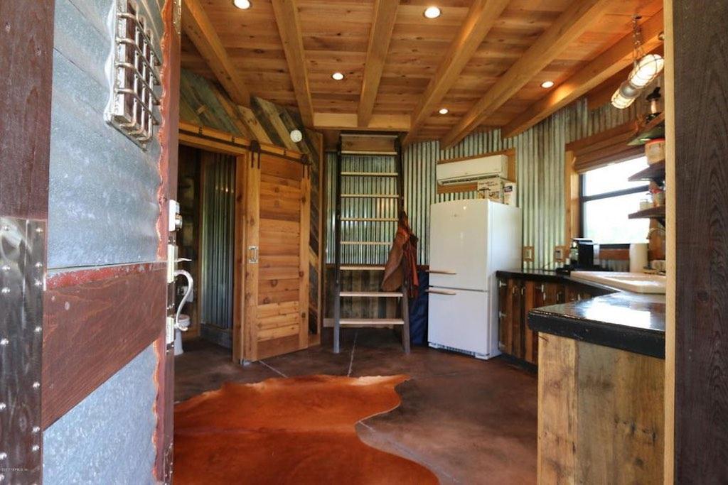 horse-ranch-silo-3